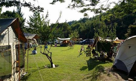 숲속향기 잔디 캠핑장 작은이미지